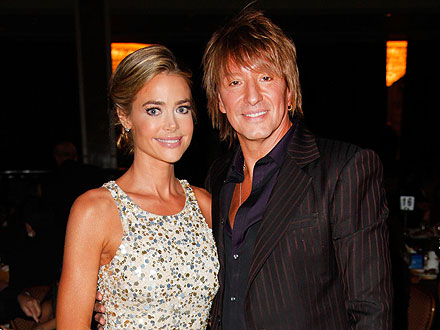 Denise Richards & Richie Sambora's 'Very Happy' (and First Class) Flight | Denise Richards