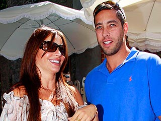 Exes Sofia Vergara & Nick Loeb Meet Up for Hot Chocolate | Sofia Vergara