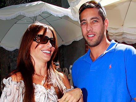 Exes Sofia Vergara & Nick Loeb Meet Up for Hot Chocolate
