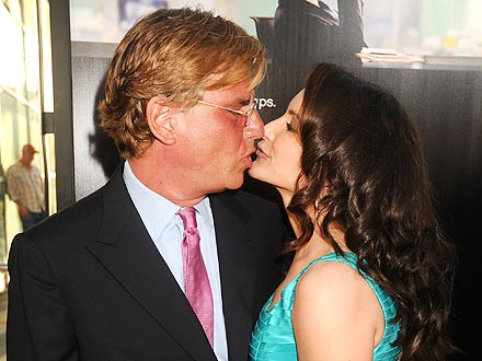 Kristin Davis & Aaron Sorkin Get Kissy for Cameras| Couples, Los Angeles, Caught in the Act, TV News, Aaron Sorkin, Kristin Davis, Private Party
