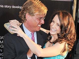 Kristin Davis & Aaron Sorkin Get Kissy for Cameras | Aaron Sorkin, Kristin Davis