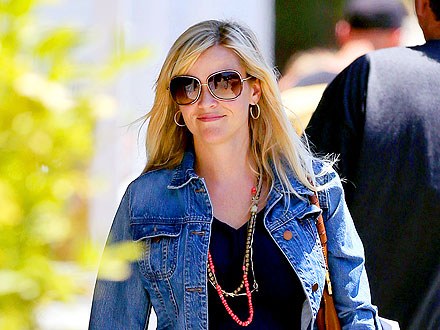 Reese Witherspoon Satisfies Her Sweet Tooth in Atlanta