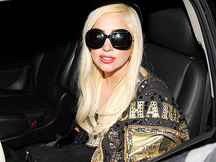 Lady Gaga's Fan Sing-Along Silences the Crowd at Chateau Marmont | Lady Gaga