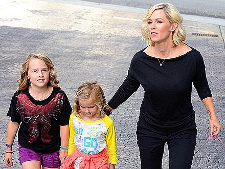 Jennie Garth Gets a Massage Before Taking Kids to a Kelly Clarkson Concert | Jennie Garth