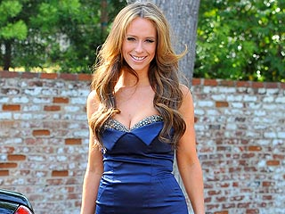 Jennifer Love Hewitt: The Cupcake Queen of Beverly Hills | Jennifer Love Hewitt