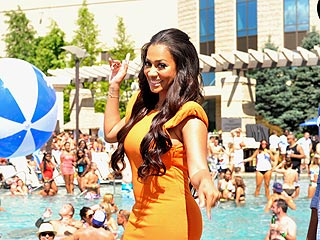 La La &#39;Gets Down&#39; at Connecticut Pool Party