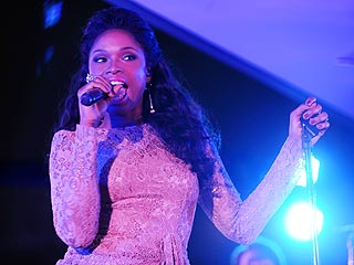 Jennifer Hudson Hits High Notes as Broadway Diva in Smash | Jennifer Hudson