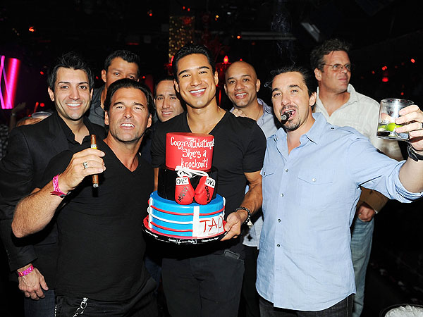 Mario Lopez&#39;s Las Vegas Bachelor Party Gets a Big Surprise