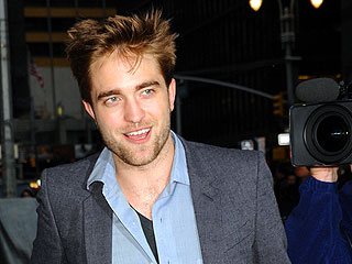 Robert Pattinson Rocks Out at Black Keys Show in Hollywood | Robert Pattinson
