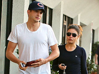 Ashton Kutcher & Mila Kunis Share a 'Flirtatious' Lunch in Chicago | Ashton Kutcher, Mila Kunis