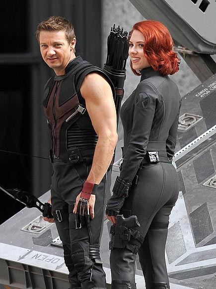 photo | Jeremy Renner, Scarlett Johansson