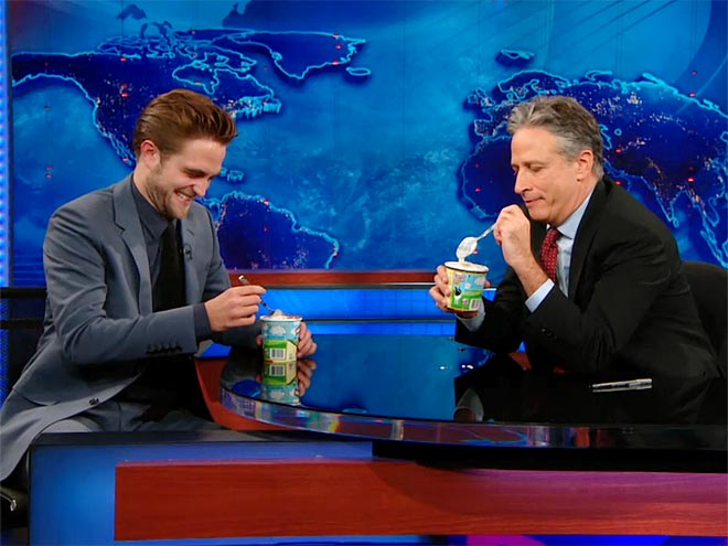 photo | Jon Stewart, Robert Pattinson