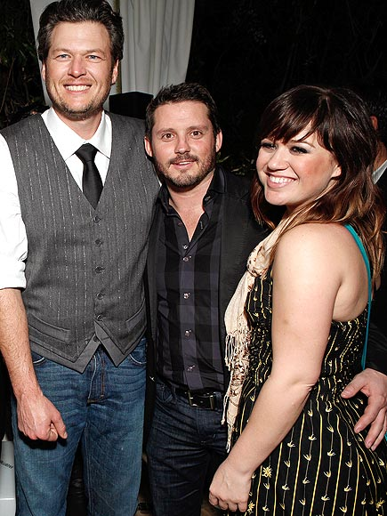 photo | Blake Shelton, Kelly Clarkson