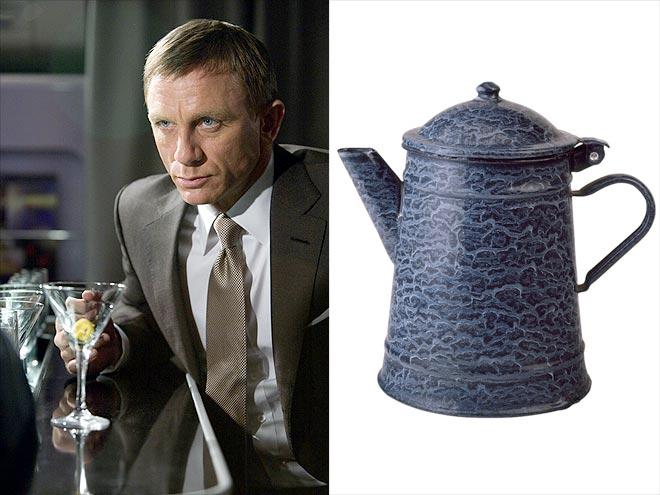 SIGNATURE DRINK photo | Daniel Craig