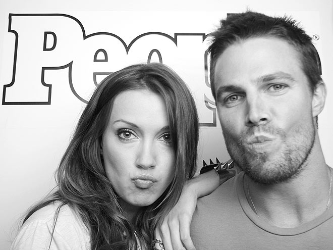 KATIE CASSIDY & STEPHEN AMELL photo | Katie Cassidy