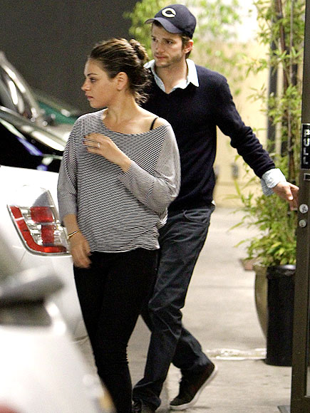 ASHTON KUTCHER: 5 MONTHS photo | Ashton Kutcher, Mila Kunis