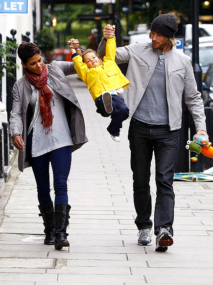 1. HALLE & GABRIEL SPLIT photo | Gabriel Aubry, Halle Berry
