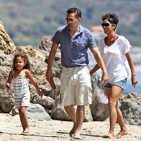 3. THE FRENCH DEFECTION? photo | Halle Berry, Olivier Martinez