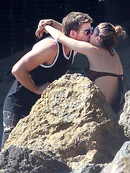 MALIBU photo | Liam Hemsworth, Miley Cyrus