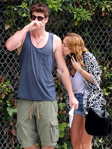 LOS ANGELES   photo | Liam Hemsworth, Miley Cyrus