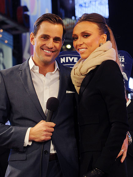 COZY COUPLE photo | Bill Rancic, Giuliana Rancic