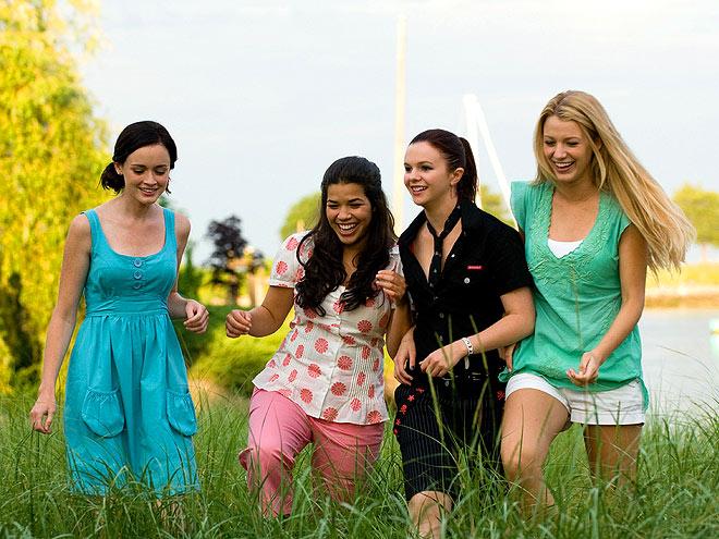 FAST FRIENDS photo | Alexis Bledel, Amber Tamblyn, America Ferrera, Blake Lively