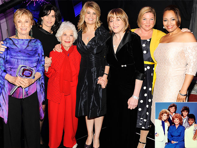 FACTS OF LIFE photo | Charlotte Rae, Cloris Leachman, Geri Jewell, Kim Fields, Lisa Whelchel, Mindy Cohn, Nancy McKeon
