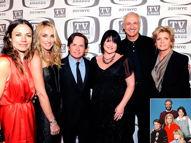 FAMILY TIES photo | Justine Bateman, Meredith Baxter, Michael Gross, Michael J. Fox, Tina Yothers, Tracy Pollan