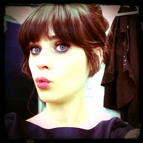 ON LEARNING TO EMBRACE HER WEIRDNESS photo | Zooey Deschanel