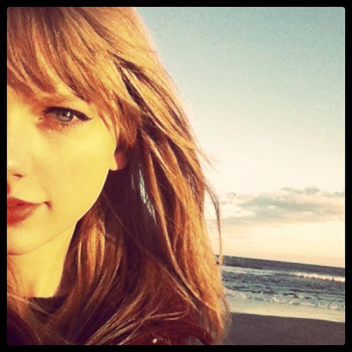 BEACH GIRL photo | Taylor Swift