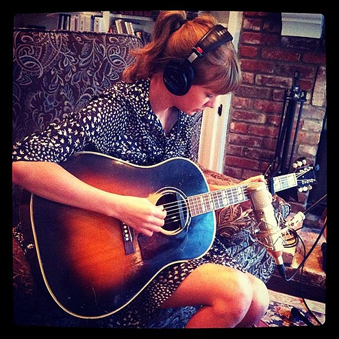 STRUM & STRUMMER photo | Taylor Swift