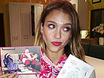 Stars&#39; Festive Holiday Shots | Jessica Alba