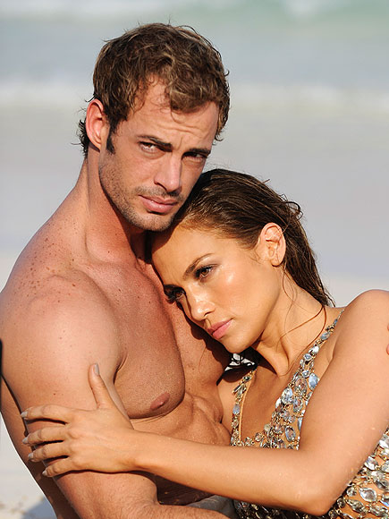 BEACHSIDE CUDDLE
