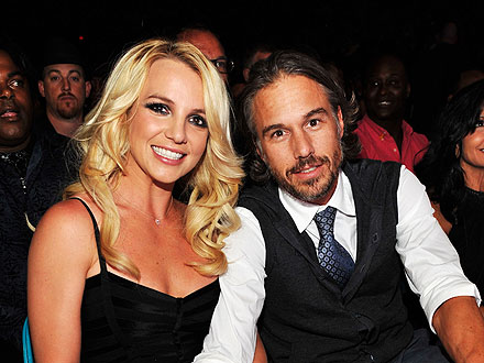 Britney Spears & Jason Trawick Celebrate Holidays in New York