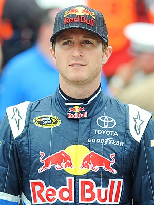 KASEY KAHNE Apologizes for Breastfeeding Remarks : People.com