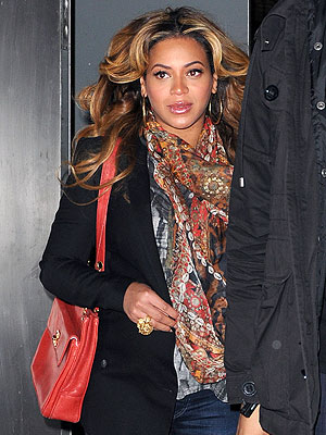 Beyonc&#233; Pregnant: Out In N.Y.C.