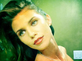 Whoops! AnnaLynne McCord (Accidentally!) Posts Topless Twitter Pic   AnnaLynne McCord
