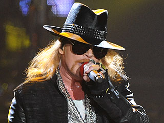 Axl Rose Declines Induction Into Rock and Roll Hall of Fame | Axl Rose
