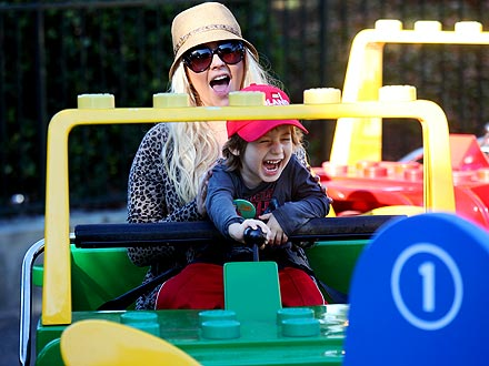 Christina Aguilera Celebrates Son Max's 4th Birthday at Legoland | Christina Aguilera