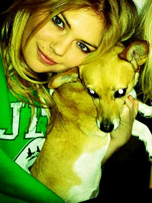 Kate Upton Sports Illustrated Swimsuit Issue, Loves Dogs