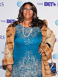 Aretha Franklin Won't Perform at Whitney Houston Funeral Due to Leg Spasms | Aretha Franklin