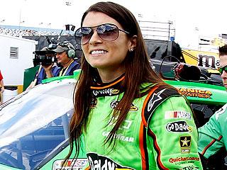 Danica Patrick Crashes in Daytona Debut