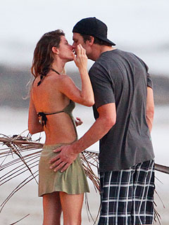 Gisele & Tom Brady Get Cozy in Costa Rica | Gisele Bundchen, Tom Brady