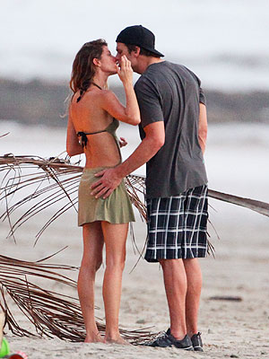 Gisele B&#252;ndchen Consoles Tom Brady in Costa Rica
