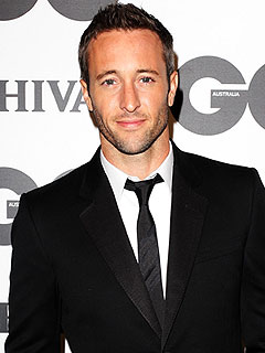 Hawaii Five-0's Alex O'Loughlin Gets Treatment for Pain Meds | Alex O'Loughlin
