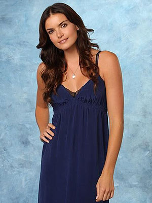 The Bachelor Contestants React to Courtney Robertson's Apology