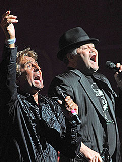 Micky Dolenz Calls Davy Jones the 'Brother I Never Had' | Davy Jones, Micky Dolenz