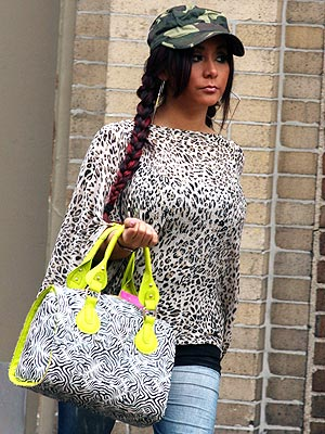 Snooki Spotted Out with Loose Shirt, Oversized Bag | Nicole Polizzi