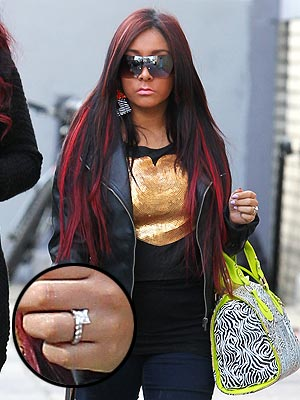 Snooki Steps Out with Apparent Engagement Ring | Nicole Polizzi