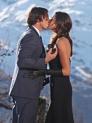 The Bachelor Finale - Ben Flajnik Hands Out Final Rose